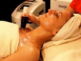 Mezoterapia bezigłowa – nowoczesne techniki wykonywania